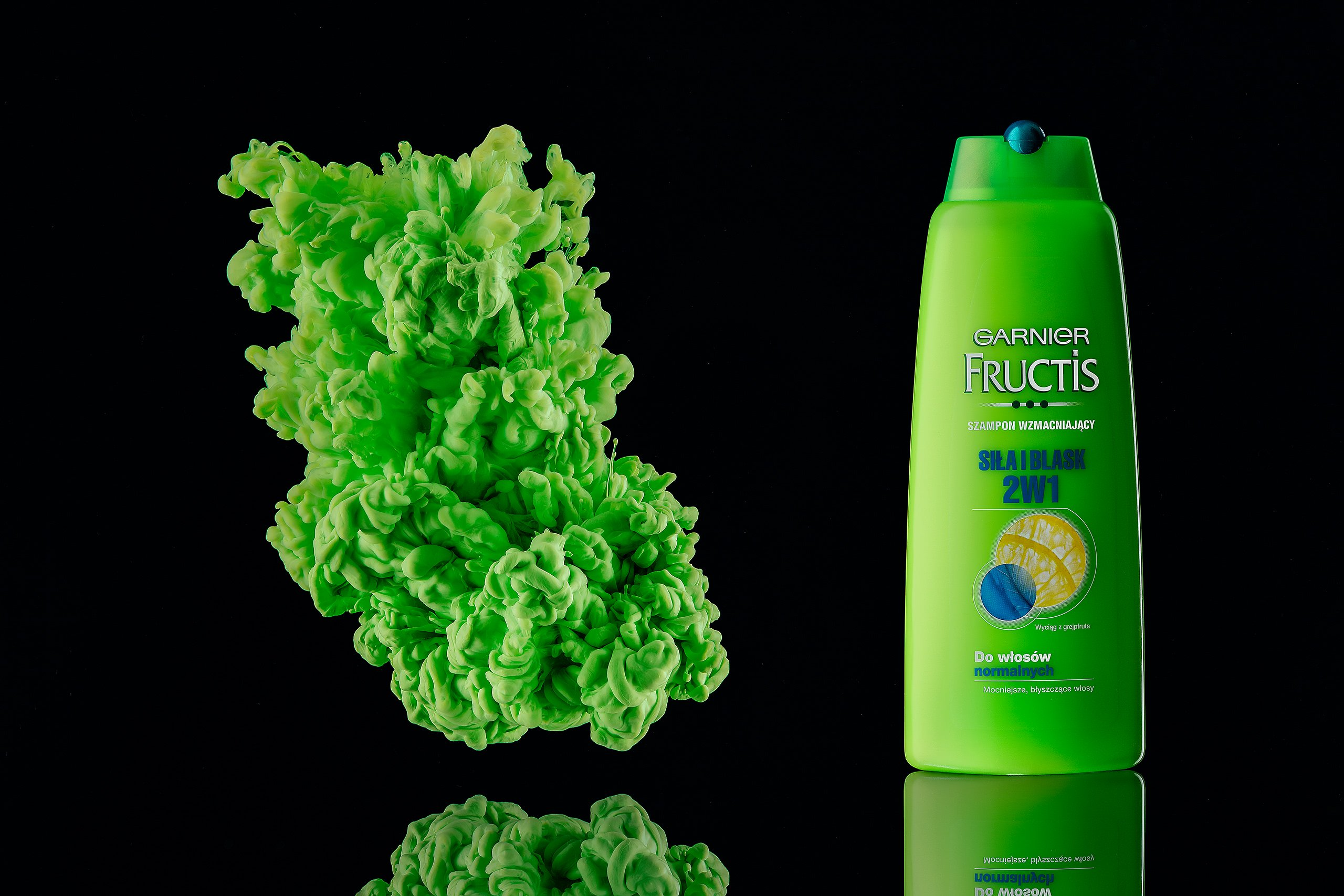 ecommerce product photography for green shampoo