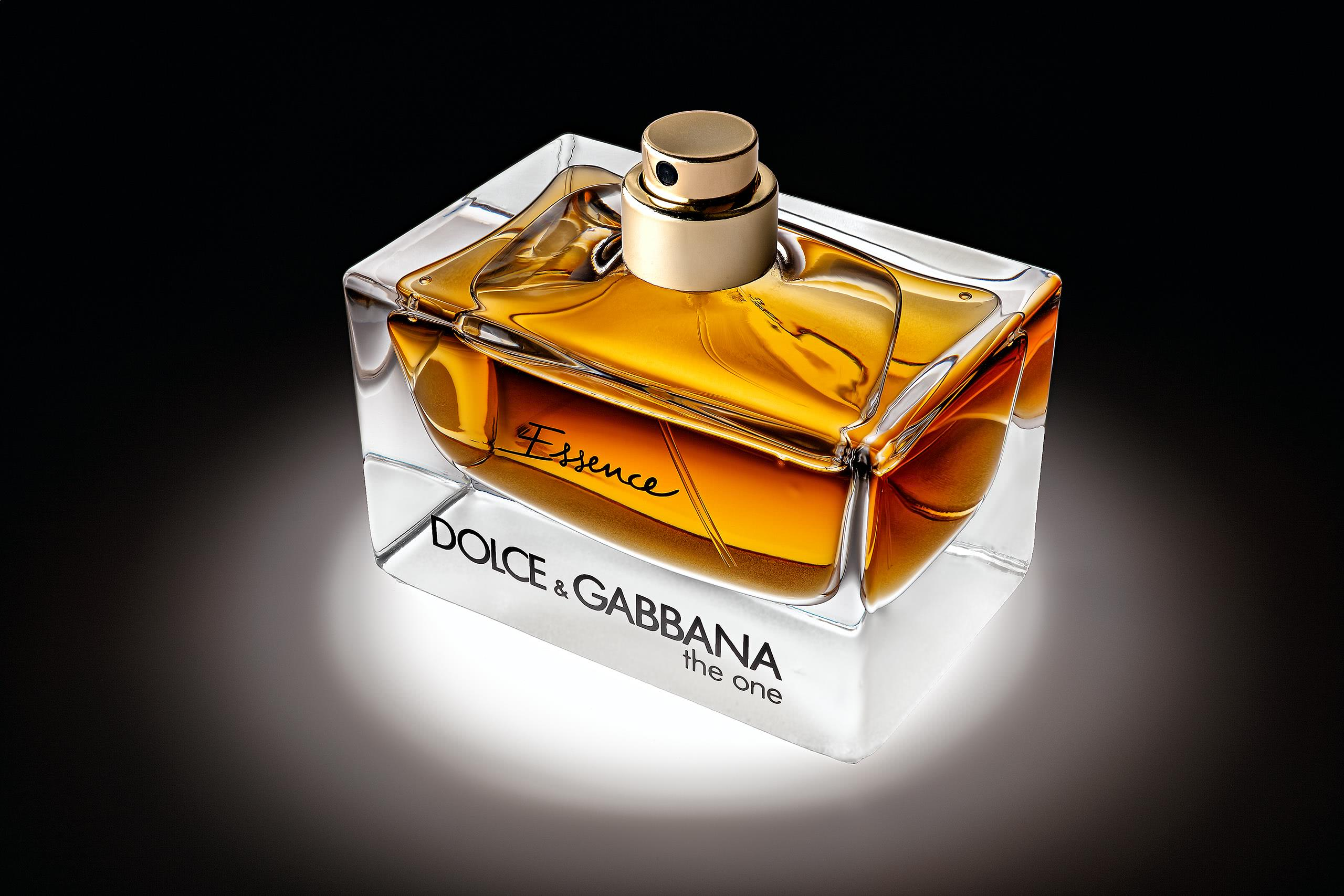 Perfume product photography bottle closeup