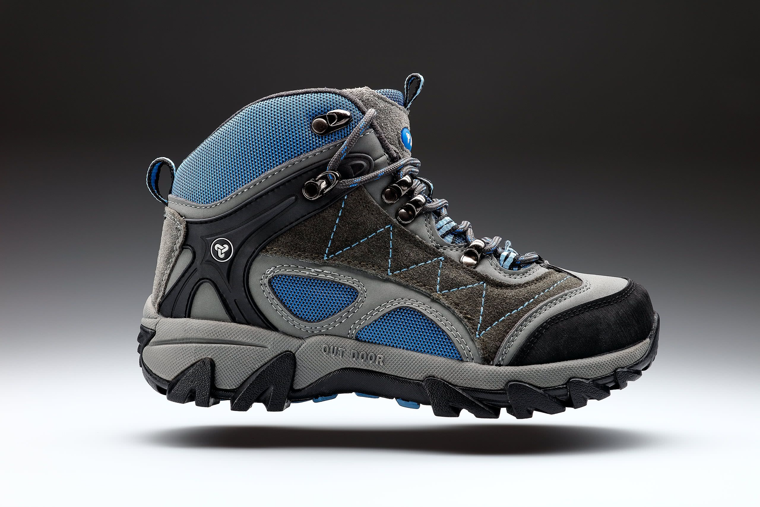 hiking-boots-product-photography